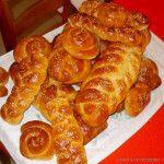 Συνταγή για τσουρέκια από τους Μύλους Αγ.Γεωργίου How To Make Bread, Bread Making, Chicken Wings, Sausage, Meat, Food, Baking, How To Bake Bread, Eten
