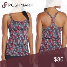 """Fabletics Chevron Tank Fabletics Tahoe Tank. Fitted to hip Built-In Bra with expansion. 89% Polyester/11% Spandex. Double-Strap Design, Moisture Wicking, Four-Way Stretch, Buttery Soft Fabric. In excellent condition with no size tag but is XS. 12"""" underarm ti underarm and 22"""" L Fabletics Tops Tank Tops"""