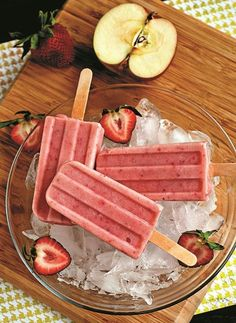 Strawberry Smoothie Pops - a healthier treat to beat the heat! Naturally dairy-free, gluten-free & vegan.