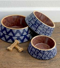 Our non-breakable Pet Bowls are a great choice for active beach and waterside households. Made of ultra-durable melamine, our pet bowls are not only designed to be dishwasher safe and break resistant, they also include non-skid silicone on the bas. Coastal Colors, Nautical Home, Pet Bowls, Beach House Decor, Basket Weaving, Navy And White, Your Pet, Weave, Indigo