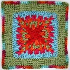 Moogly CAL 2018 - Afghan Block Come join the fun in the Moogly Crochet Along! To kick off the second half, we have a fun and twisty new free crochet square pattern by ReCrochetions! Made with Red Heart With Love! Free Crochet Square, Crochet Squares Afghan, Crochet Blocks, Granny Square Crochet Pattern, Crochet Motif, Granny Squares, Crochet Granny, Crochet Stitches, Granny Granny