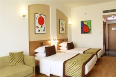 Lemon Tree Hotel, Electronics City, Bengaluru, with 175 bright rooms and suites, offers you a wide array of accommodation options at an unbeatable value.   http://www.lemontreehotels.com/lemon-tree-hotel/bengaluru/electronics-city-bengaluru/rooms-overview.aspx