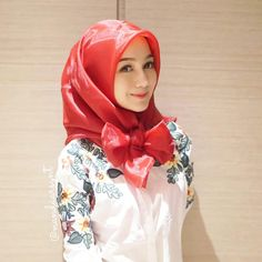 Inspirasi hijab cantik dari kak @nandaarsynt  #hotd #hijabootd #kondangan #hijabkondangan #hijabcantik