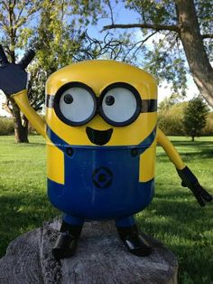 Minion made from a Freon tank