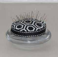 Pin cushion out of a Yankee Candle Jar Lid