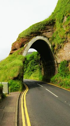 Derry to Belfast.. Northern Ireland Yes, Please! My goal in life is to travel around Europe for 3 months!