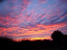 Red sky. Sky, Celestial, Sunset, Nature, Outdoor, Heaven, Outdoors, Naturaleza, Heavens