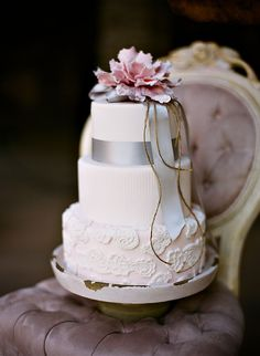 Southern weddings, Southern wedding ideas, lavender wedding cake, Amy Rae Photography