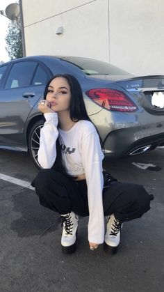 Image about girl in maggie lindemann by fangirl Maggie Lindemann, Grunge Outfits, Girl Outfits, Cute Outfits, Fashion Outfits, Aesthetic Girl, Aesthetic Clothes, Mode Grunge, Grunge Girl