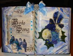 Libro scultura sui toni del blu.