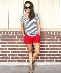 Before going anywhere for your holidays, have a look at these essential fashion tips to help you get the perfect … Scalloped Shorts Outfit, Red Shorts Outfit, Classy Shorts Outfits, Shorts Outfits Women, Scallop Shorts, Casual Outfits, Cute Outfits, J Crew Outfits Summer, Summer Shorts Outfits
