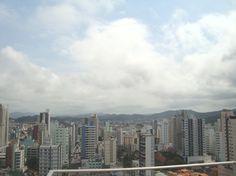Vista da cidade de Balneário Camboriú - Cobertura ocupando andar inteiro com vista para o mar