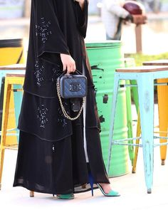 #Repost @shaikha_dream صوتكرضاالعمروكلامكعافيةللقلب Abaya by @the.modest.uae #abayas #abaya #abayat #mydubai #dubai #SubhanAbayas Modern Abaya, Modern Hijab Fashion, Abaya Fashion, Trendy Fashion, Womens Fashion, Burqa Designs, Abaya Designs, Kaftan Pattern, Black Abaya