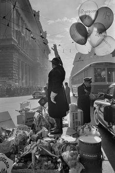 Rome, 1951 by Henri Cartier-Bresson. (Fondation Henri Cartier-Bresson, Paris). S)