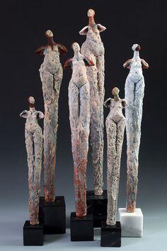 Artist & sculptor Roelna Louw