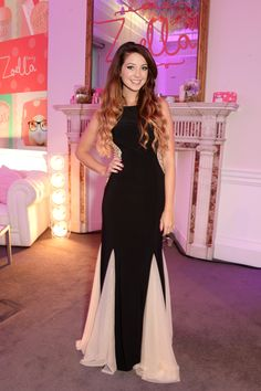 Zoe at the Zoella Beauty Launch Cute Date Outfits, Really Cute Outfits, Nice Dresses, Prom Dresses, Formal Dresses, Zoella Outfits, Zoella Beauty, Star Fashion, Fashion Outfits