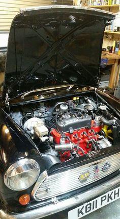 Classic Mini, Classic Cars, Mini Morris, British Sports Cars, Fancy Cars, Small Cars, Luxury Cars, Engineering, Mini Coopers