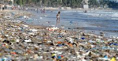 19-year-old inventor finds way to clean up the world's oceans in under 5 years time - The Mind Unleashed Ocean Garbage Patch, Great Pacific Garbage Patch, Ocean Pollution, Plastic Pollution, Oceans Of The World, Marine Life, Rafting, 5 Years, Coastal