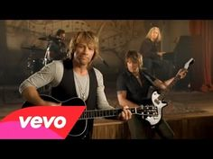 Music video by Bon Jovi performing Lost Highway. (C) 2007 Mercury Records, a Division of UMG Recordings, Inc.