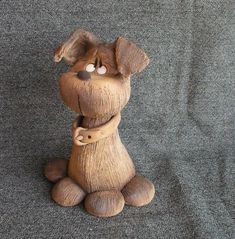 Dog Ceramic Animals, Clay Animals, Dog Sculpture, Animal Sculptures, Welsh Love Spoons, Arts And Crafts, Diy Crafts, Clay Ornaments, Whittling