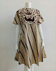 M- XL. Batik Kebaya, Batik Dress, Batik Fashion, Kitenge, Doll Dresses, Collars, Short Sleeve Dresses, Shirt Dress, Couture
