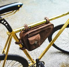 Curtesy of: @nohow! ・・・ A bike has already its style, but why not to make it even more stylish with a #kjore frame bag ⚡️ check it on nohowstyle.com #BEnohow #nohow #fixie #fixed #fixing #bike #bicycle #fixielover #photo #igers #instagram #canon #handmade #evolution #leather #accessories #minimal #design #pitti #florence #italy #vintagestyle @kjoreproject