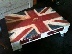 http://www.industrialdecoration.gr/trapezia_apo_paletes/427/Trapezi_apo_paleta_UK_Flag.htm