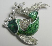 $145-Rubylane sold Large Unsigned Green Enamel Fish Pin with Imitation Pearl Bubbles