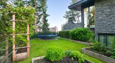 3998 Bayridge Avenue - West Vancouver Homes and Real Estate - BC, Canada