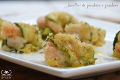 Involtini di zucchine e gamberetti Finger Food Appetizers, Appetizer Recipes, Vegetarian Recipes, Healthy Recipes, Fish And Meat, Fish Dinner, Food Humor, Veggie Dishes, Seafood Dishes