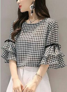 Very Cute Fall Outfit. This Would Look Good Paired With Any Shoes. 29 Dizzy Fashion Ideas That Always Look Fantastic – Very Cute Fall Outfit. This Would Look Good Paired With Any Shoes. Kurti Sleeves Design, Sleeves Designs For Dresses, Sleeve Designs, Fall Outfits, Casual Outfits, Indian Designer Wear, Dress Patterns, Blouse Designs, Blouses For Women