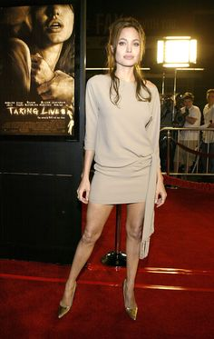 Angelina Jolie at the 'Taking Lives' Premiere in Los Angeles Mar 2004