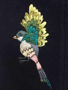 Птичка для проекта в м.д. #ArBeli в технике #вышивкагладью, исполнена #НадеждойЕреминой ( #ENA )
