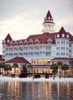 Disney Grand Californian Hotel, Grand Floridian Disney, Disney Resorts, Disney Parks, Walt Disney World, Disneyland World, Disney World Pictures, True Homes, Disney Aesthetic