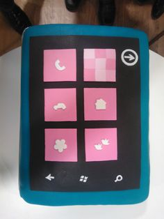 An awesome Windows Phone cake. Windows Phone, Bon Appetit, Geek Stuff, Party Ideas, Inspire, Technology, Cakes, Box, Awesome