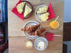 Berry --- Breakfast and Coffee in Amsterdam - Oud West --- Bilderdijkkade 27 --- 020 - 3707300 --- Open: Tuesday to Sunday