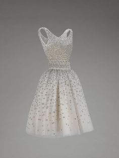 Yves Saint Laurent for Dior, Evening dress, from the 1958 Trapeze  I am a princess and I deserve to wear this!