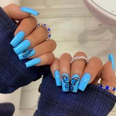 There are many kinds of blue nail art designs, which are also one of the most popular nail colors. In previous articles, we have introduced the art design of Dark Blue Nails, Navy Blue Nails and Blue Sparkle Nails, which are welcomed by women. In thi Acrylic Nails Natural, Blue Acrylic Nails, Summer Acrylic Nails, Summer Nails, Blue Nails Art, Acrylic Nail Designs For Summer, Blue Gel Nails, Baby Blue Nails, Lilac Nails