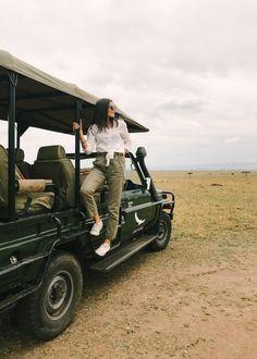 Dubai, Safari Costume, Kenya Travel, Africa Travel, Safari Jeep, Madagascar Travel, Travel Pose, Safari Outfits, Travel Pictures Poses