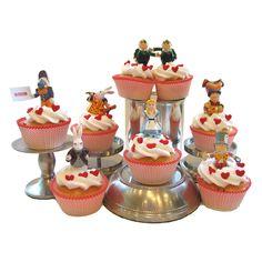 http://thepartyanimal.hubpages.com/hub/Alice-in-Wonderland-Birthday-Cakes-Ideas
