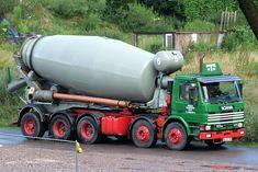 Heavy Duty Trucks, Big Rig Trucks, Cool Trucks, Types Of Concrete, Mixer Truck, Concrete Mixers, Heavy Equipment, Buses, Cement