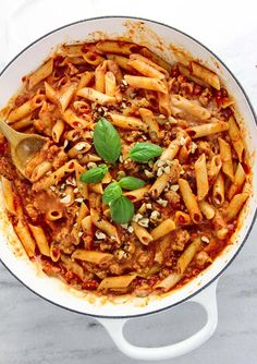This creamy Hazelnut Chicken Penne Pasta is a fast, filling and easy dinner to make for busy weeknights. Plus it is gluten-free too! Mmmmm. mmm. ##BarillaUS #NoKidHungry