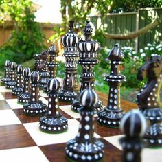 Chess Set Pieces | ... chess piece storage quality chess piece storage for up to 95mm pieces