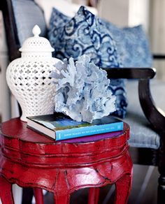 Blue and White with red table Coastal Style, Coastal Decor, Coastal Living, Seaside Style, Nautical Style, Chinoiserie, Design Blog, Color Stories, Paint Furniture