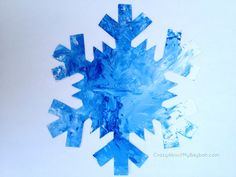 Mess Free Painted Snowflakes - 25 Winter and Christmas Crafts for Kids #Toddlers #Preschoolers #Homeschool