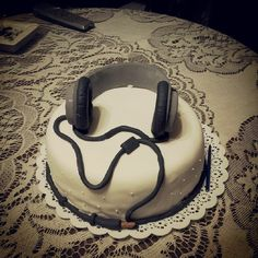 Headphones cake