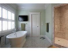Pedestal Tub. Bathroom layout.