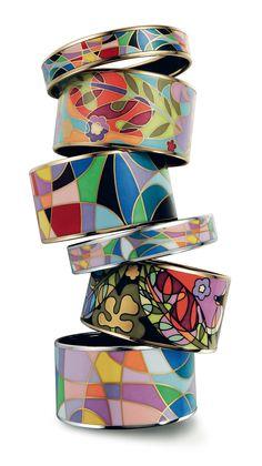 The artisans at Frey Wille get their inspiration from modern life, historic periods of art (ancient Egypt, Greece) or from the masterworks of famous artists (Claude Monet, Gustav Klimt, Friedensreich Hundertwasser, Alphonse Mucha)