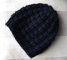 Un bonnet damier original avec un joli rendu, pour homme et pour femme, pour garder sa tête au chaud durant l'hiver. Patron adapté pour une laine épaisse