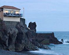 Sejur in Madeira, de la 1 leu » Pachetul este pentru 2 persoane si include bilet de avion Bucuresti – Lisabona – Bucuresti cu compania TAP Portugal , taxele de aeroport, transfer aeroport-hotel-aeroport, 6 nopti cazare in camera dubla, cu demipensiune inclusa (un pahar de apa si un pahar de vin la cina), la Hotel Alto Lido 4* sau similar si asistenta locala limba engleza.   Plecare: 21 septembrie 2013.